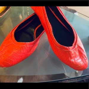 Rachel Roy coral snake leather flats